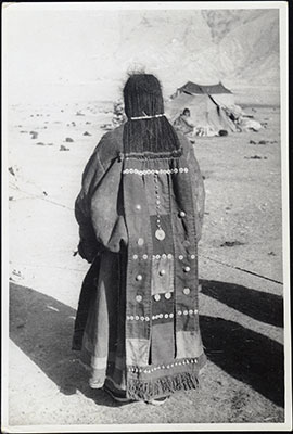 Horpa woman showing hair and textile extension