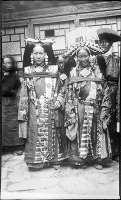 Two women in Lhasa dress