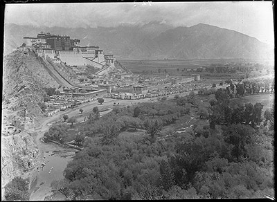 Potala Palace and Sho village from Chakpori