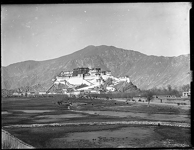 Potala from the roof of Lhasa Arsenal
