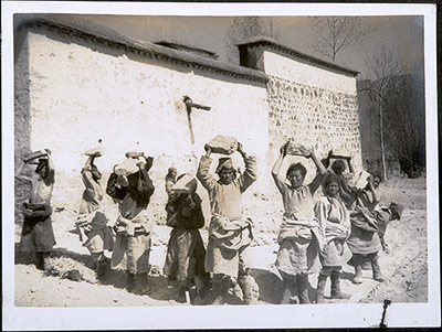 Tibetan workers at the British hospital, 1940