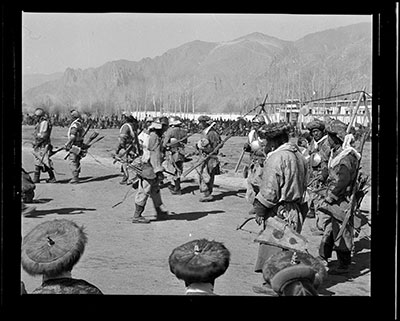 Soldiers dressed in uniform of Tibetan and Mongol army