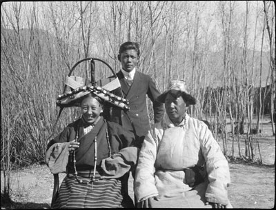 The Taring family at home near Gyantse