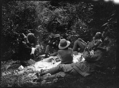 Picnic in Kambu Valley