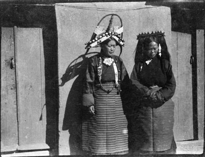 Mrs Taring and Mrs Pemba in Gyantse