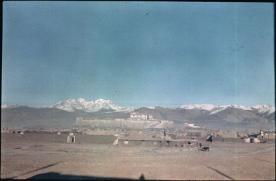 Phari settlement and dzong
